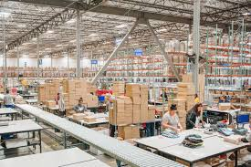 online retailers u0027 new warehouses heat up local job markets wsj