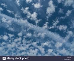 pattern of white clouds in streaks white cloud streak stock photos white cloud streak stock images