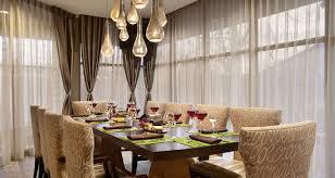 hilton restaurant near jfk airport ny