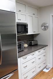 Kitchen Craft Cabinets Calgary by This Kitchen Features Kitchen Craft U0027s U0027lexington U0027 Doorstyle In