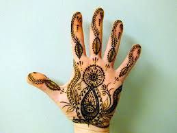 amazing henna sun on palm of photo 2 2017