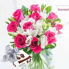 online cardiff florist free flower delivery flying flowers