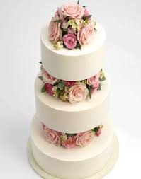 Wedding Cake Flowers The 25 Best Wedding Cake Fresh Flowers Ideas On Pinterest