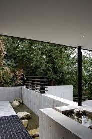 courtyard house on a steep site by hutchison u0026 maul