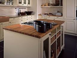 cuisine avec plan de travail en bois plan de travail cuisine chene rnover une cuisine comment