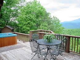 three suite retreat a 3 bedroom cabin in gatlinburg tennessee three suite retreat