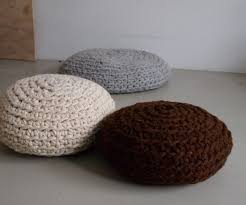 make a mega crochet pouf 4 steps with pictures