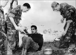 Un tortionnaire aux Invalides ! Appel contre l'hommage au général Bigeard Images?q=tbn:ANd9GcROdFPilJm5E6doYHngwvuqx7jXlwSWKioVSbhj6oKI7UBHAoknJg