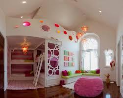 chambre fille lit superposé l arrangement des lits superposés dans la chambre d enfant archzine fr