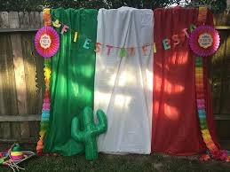 How To Make A Stage Curtain Krusinthroughlife How To Make A Killer Cinco De Mayo Photo Booth