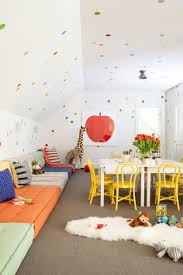 Garage Rooms by Best 25 Garage Playroom Ideas On Pinterest Toddler Playroom
