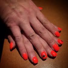 dessin sur ongle en gel pose de gel orange fluo sur ongles naturels ongles pinterest
