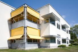 balkon regenschutz regenschutz für balkon anbringen das sollten sie dabei beachten
