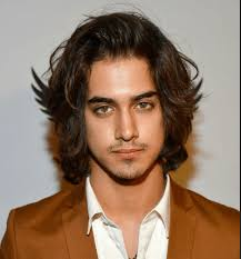 wavy long hair awkward stage men long hair is trending how to successfully grow your hair out