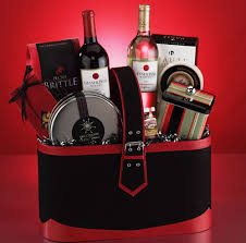 liquor gift baskets snack gift baskets sendgiftbaskets