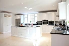 cuisine blanche classique cuisine blanche et moderne ou classique en 55 idaces cuisine