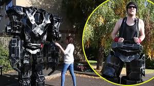 Coolest Halloween Costumes Halloween Costume 10ft Tall Robot