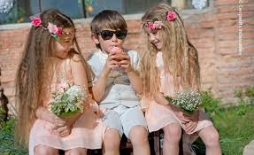 tenue enfant mariage thème de mariage chic et chêtre déco fleurs 1001 mariages