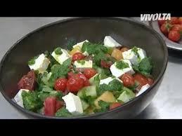 vivolta cuisine com recette de la salade de tomates et brebis sur vivolta kitchen