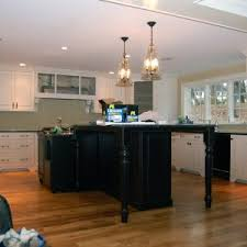 kitchen island with 2 pendant lights http