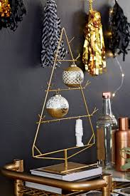 black and gold centerpieces for tables black and gold decorating ideas for entertaining diy network blog