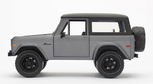 jeep bronco white 1973 ford bronco hardtop j trucks by jada 1 24 1 24 scale and