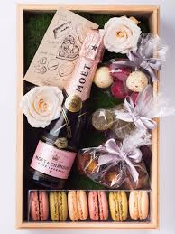 top valentines gifts best 25 s day gift baskets ideas on