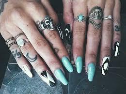 39 lovely moon finger tattoos