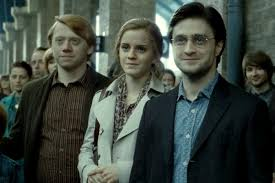 Harry Potter Harry Potter 19 Years Later J K Rowling Fans Celebrate Ew
