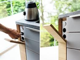 prise de courant cuisine cache prise électrique pour créer une unité déco dans la cuisine