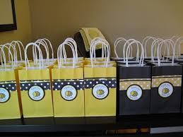 bumble bee party favors a few of my favorite things the buzzzzz on bee giveaway