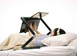 Bed Desk For Laptop An Desk For Using Your Laptop In Bed Geekologie