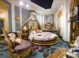 Images Of Round Bed by Awesome Classic Bedroom Decorating Ideas Come With Gold Classic