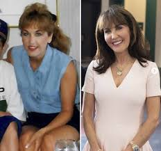 robin mcgraws hairstyle has robin mcgraw had plastic surgery see transformation