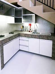 desain dapur lebar 2 meter 10 desain dapur minimalis di bawah tangga terkini lihat co id