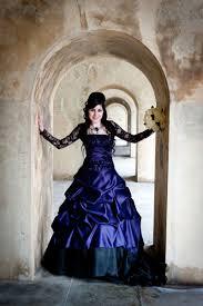 10 unique custom wedding dresses for daring brides
