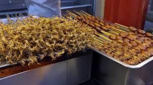 insectes dans la cuisine une cuisine traditionnelle asiatique boutique scorpions insectes