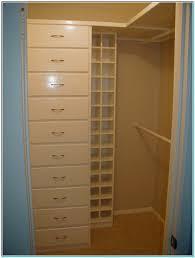 Small Bedroom Size Dimensions Bedroom Closet Sizes Standard Torahenfamilia Com The Function Of