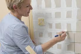 peindre carreaux cuisine comment repeindre le carrelage de la cuisine bricobistro