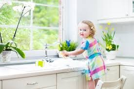 cleaning kitchen easy kitchen organizing and cleaning tips
