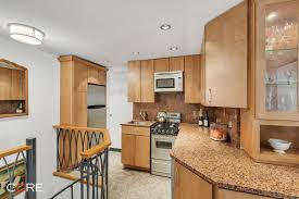 big reveal 699k for a gramercy one bedroom with a quirky layout so now that you know the price do you think it s worth it does the peculiar layout have potential to be improved let us know your thoughts