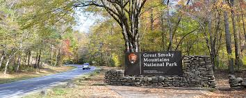 Tennessee national parks images Great smoky mountains national park fontana lake north shore jpg