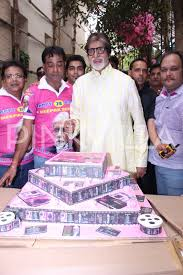 in pics shahenshah amitabh bachchan rings in his 74th birthday