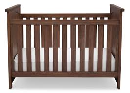 serta northbrook classic crib 4 piece nursery set rustic oak
