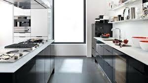 cuisine et bois cuisine noir et blanc et bois cuisine plan travail cuisine plan