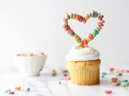 custom cupcake toppers easy custom diy cupcake toppers made with froot loops