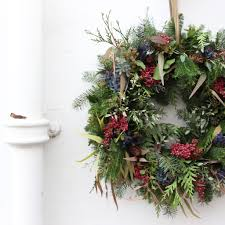 learn how to make a sensational wreath the real flower