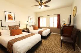 carmel hotel double beds rooms u0026 rates cypress inn carmel by