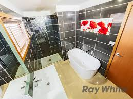 Bathrooms St Albans 15 Luxford Street St Albans Vic Residential House For Sale