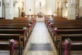 decoration eglise pour mariage top solutions pour la décoration florale de l église de votre mariage